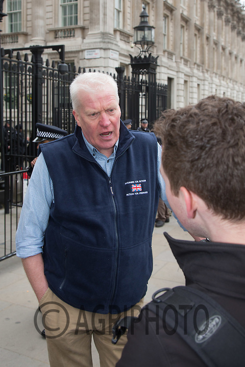 David Handley of FFA talks to Farmers at the protest about low commodity prices in central London<br /> Picture Tim Scrivener 07850 303986 <br /> scrivphoto@btinternet.com<br /> ….covering agriculture in the UK….