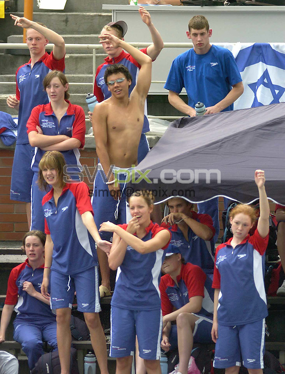 Pix by Chris Whiteoak/SWpix.com, European Swimming, European Junior Swimming Championships, Budapest, Hungary, 14/07/2005..COPYRIGHT PICTURE>> SIMON WILKINSON>> SWPIX.COM>>07811267 706>>..The Great Britain team cheer