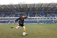 Photo: Richard Lane/Richard Lane Photography. London Wasps v Northampton Saints. Aviva Premiership. 23/03/2013. Wasps' Stephen Jones kicks.