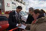 Jérémie Aliadière signing autographs. Middlesbrough 0 Wigan Athletic 0, 21/02/2009. The Riverside Stadium, Middlesbrough. Premier League. Photo by Paul Thompson.