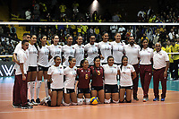 BOGOTÁ-COLOMBIA, 07-01-2020: Jugadoras de Venezuela, posan para una foto antes de partido entre Venezuela y Colombia en el Preolímpico Suramericano de Voleibol, clasificatorio a los Juegos Olímpicos Tokio 2020, jugado en el Coliseo del Salitre en la ciudad de Bogotá del 7 al 9 de enero de 2020. / Player from Venezuela pose for a photo prior a match between Venezuela and Colombia, in the South American Volleyball Pre-Olympic Championship, qualifier for the Tokyo 2020 Olympic Games, played in the Colosseum El Salitre in Bogota city, from January 7 to 9, 2020. Photo: VizzorImage / Luis Ramírez / Staff.