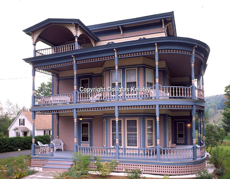 Rosewood Inn B&B .Main St, Route14.Williamstown, VT