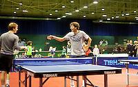 13-02-11,  Tennis, Rotterdam, ABNAMROWTT, Kidsplaza, Robin Haase achter de Pingpong tafel