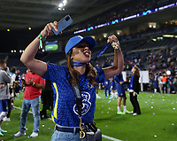 Porto, Portugal, 29th May 2021. Belle Silva wife of Thiago Silva celebrates during the UEFA Champions League match at the Estadio do Dragao, Porto. Picture credit should read: David Klein / Sportimage PUBLICATIONxNOTxINxUK SPI-1071-0333 <br /> Oporto 29/05/2021 <br /> Champions League Final <br /> Manchester City Vs Chelsea <br /> Photo Imago/Insidefoto <br /> ITALY ONLY
