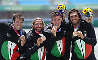 210728 -- TOKYO, July 28, 2021 -- Rowers of Team Italy pose for photos during the awarding ceremony of rowing Men s Four final at the Tokyo 2020 Olympic Games, Olympische Spiele, Olympia, OS in Tokyo, Japan, on July 28, 2021.  TOKYO2020JAPAN-TOKYO-OLY-ROWING-MEN S FOUR-FINAL DuxXiaoyi PUBLICATIONxNOTxINxCHN <br /> Photo Imago  / Insidefoto ITALY ONLY