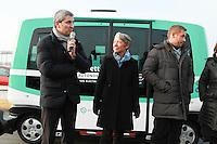 Christophe Najdovski chargÈ des transports Elisabeth Borne PDG RATP Navettes autonomes RATP lancement d'une expÈrimentation pont de Charles de Gaulle Paris 23/01/2017