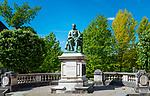 Frankreich, Bourgogne-Franche-Comté, Département Jura, Arbois (Jura): unweit des Museums 'Maison de Louis Pasteur' steht dieses Pasteur Denkmal. Sein Geburtshaus steht in Dole | France, Bourgogne-Franche-Comté, Département Jura, Arbois (Jura): monument of 'Louis Pasteur'