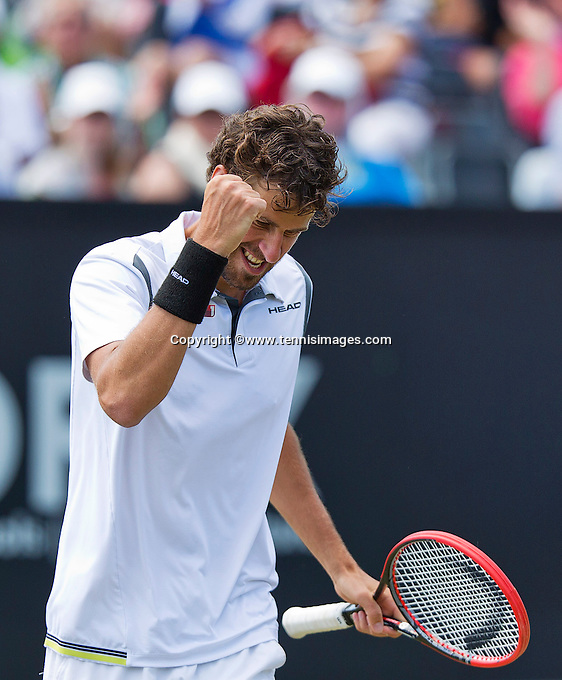 Netherlands, Rosmalen , June 10, 2015, Tennis, Topshelf Open, Autotron, Robin Haase (NED) Jubilates his victory over Verdasco<br /> Photo: Tennisimages/Henk Koster