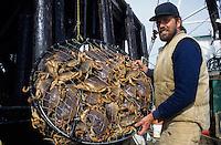 USA/Etats-Unis/Alaska/Gustavus : Portrait d'un pêcheur de King Brab le crabe royal