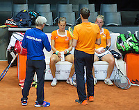 Arena Loire,  Trélazé,  France, 14 April, 2016, Semifinal FedCup, France-Netherlands, Dutch team warming up, Arantxa Rus (M) and Rachel Hogenkamp on the bench during practise<br /> Photo: Henk Koster/Tennisimages