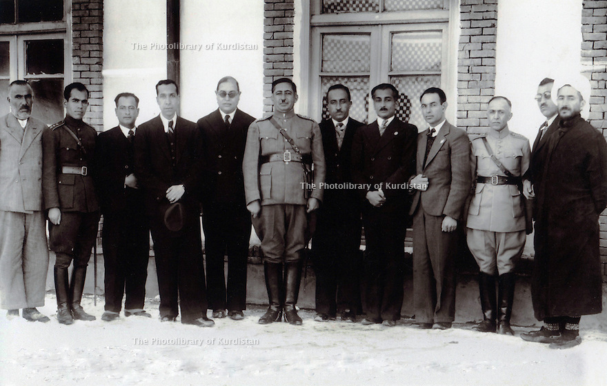 Iran 1938? .First right,Qazi Mohammed <br /> <br /> Iran 1938? .1er a droite , Qazi Mohammed