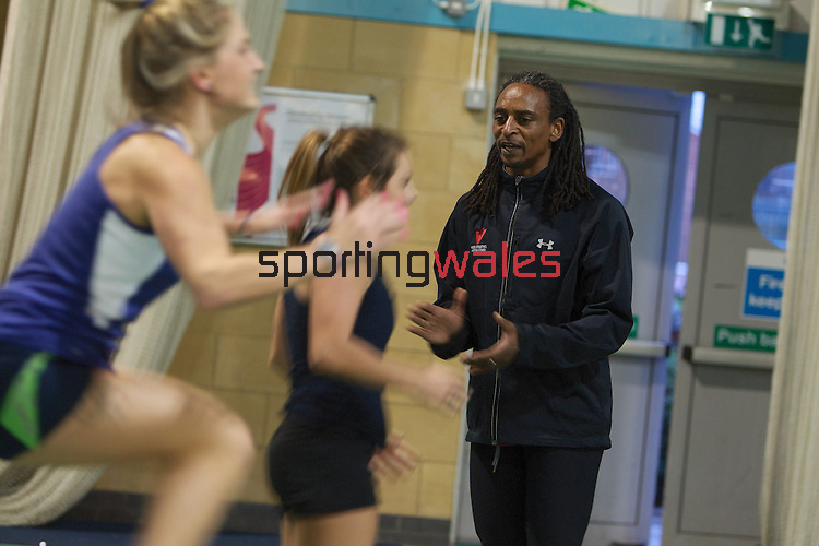 Athletics coach Darrell Maynard.29.10.10.©Steve Pope