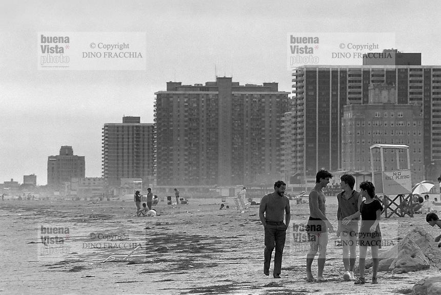 - the beach of Atlantic City....- la spiaggia di Atlantic City..