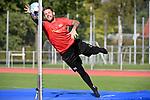 15.09.2020, Sportpark Illoshöhe, Osnabrück, GER, 2. FBL, Training VfL Osnabrueck <br /> <br /> im Bild<br /> Philipp Kühn (VfL Osnabrück, 22) mit einer Parade, hält einen Ball.<br /> <br /> Foto © nordphoto / Paetzel
