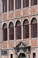 Europe/France/Aquitaine/64/Pyrénées-Atlantiques/Pays-Basque/Saint-Jean-de-Luz: Maison de l'Infante - Façade avec ses galeries à la Vénitienne
