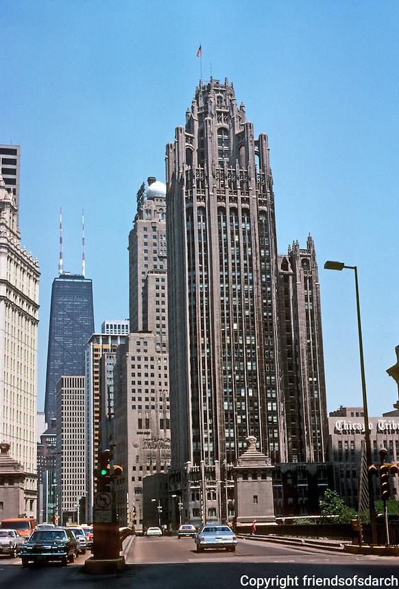 Chicago: Chicago Tribune Tower, 1925. Hood & Howells. Photo '77.