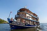 Le bateau de croisière lAmazon Dream sur le RioTapajos à l'ouest de Santarem