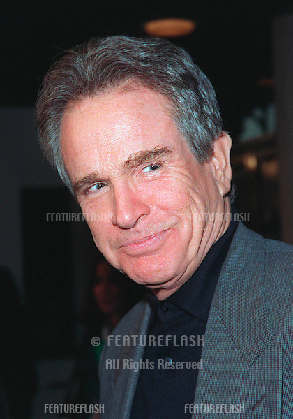 """11JAN99:  Actor WARREN BEATTY at the premiere of wife Annette Bening's new movie """"In Dreams"""" in Los Angeles..© Paul Smith / Featureflash"""