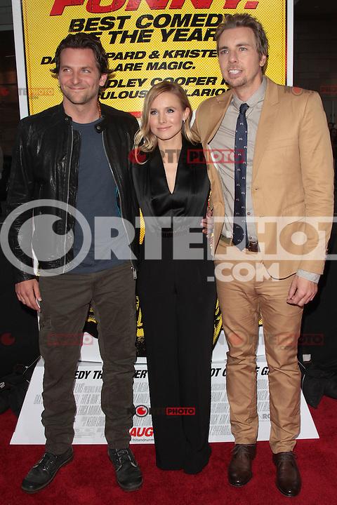 LOS ANGELES, CA - AUGUST 14: Dax Shepard, Kristen Bell and Bradley Cooper arrives at the 'Hit & Run' Los Angeles Premiere on August 14, 2012 in Los Angeles, California MPI21/Mediapunchinc /NortePhoto.com<br /> <br /> **CREDITO*OBLIGATORIO** *No*Venta*A*Terceros*<br /> *No*Sale*So*third* ***No*Se*Permite*Hacer Archivo***No*Sale*So*third*