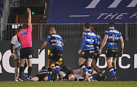 8th January 2021; Recreation Ground, Bath, Somerset, England; English Premiership Rugby, Bath versus Wasps; Elliott Stooke of Bath scores a try with the last play of the match