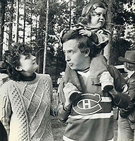 1979 FILE PHOTO - ARCHIVES -<br /> <br /> Joe Clark relaxed with their daughters yesterday.<br /> while wearing a Montreal hockey team jersey<br /> <br /> Bezant, Graham<br /> Picture, 1979, English<br /> <br /> 1979,<br /> <br /> PHOTO : Graham Bezant - Toronto Star Archives - AQP