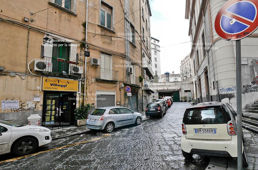 - NAPOLI  8 FEB    2014 - Rua Catalana il giorno dopo il blitz della polizia municipale.