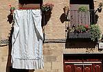 Viana.Navarra.Espana.Viana.Navarra.Spain.Ropa tendia en la Plaza Urra..Clothing tended in the Urra Square..(ALTERPHOTOS/Alfaqui/Acero)