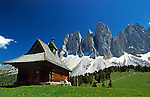 Italy, South Tyrol, Alto Adige, Dolomites, Val di Funes: chapel and Le Odle mountains at natural park Puez-Odle