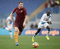 Roma's Edin Dzeko in action during the Serie A soccer match between Roma and Napoli at the Olympic stadium, 4 March 2017.<br /> UPDATE IMAGES PRESS/Isabella Bonotto