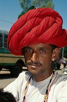 Mann mit Turban, Mount Abu (Rajasthan), Indien