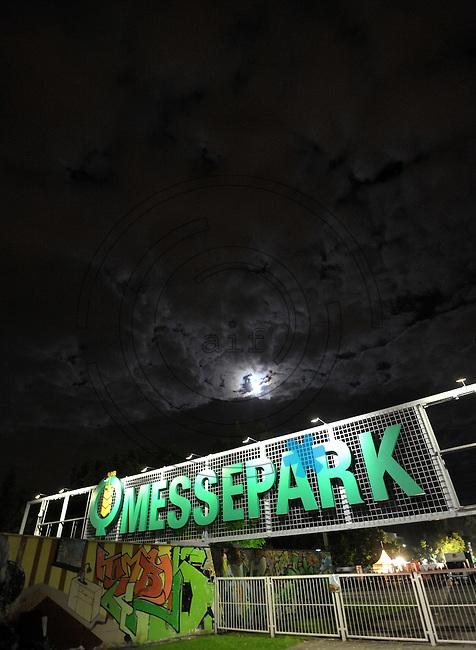 WGT 2013 - MESSEPARK im Mondenschein.  Foto: Norman Rembarz