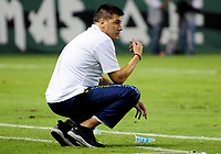 PALMIRA-COLOMBIA-19-04-2018: Juan Cruz Real, técnico de Alianza Petrolera, durante partido entre Deportivo Cali y Alianza Petrolera, de la fecha 16 por la liga Aguila I 2018, jugado en el estadio Deportivo Cali (Palmaseca) en la ciudad de Palmira. / Juan Cruz Real, coach of Alianza Petrolera, during a match between Deportivo Cali and Alianza Petrolera, of the 16th date for the Liga Aguila I 2018, at the Deportivo Cali (Palmaseca) stadium in Palmira city. Photo: VizzorImage  / Nelson Rios / Cont.