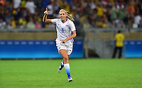 Belo Horizonte, Brazil - Saturday, August 6, 2016: The USWNT go up 1-0 over France in second half action in Group G play during the 2016 Olympics at Mineirão stadium.