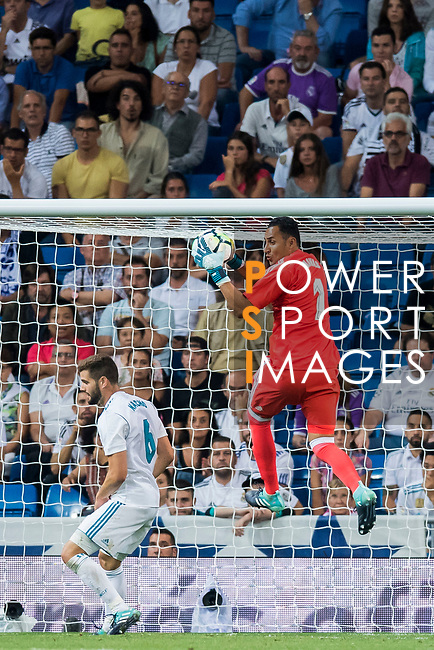 Goalkeeper Keylor Navas of Real Madrid catches the ball during their La Liga 2017-18 match between Real Madrid and Valencia CF at the Estadio Santiago Bernabeu on 27 August 2017 in Madrid, Spain. Photo by Diego Gonzalez / Power Sport Images
