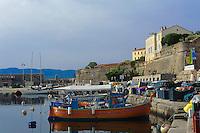 Restaurant am Hafen in Ajaccio, Korsika, Frankreich