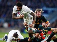 Photo: Richard Lane/Richard Lane Photography. England v South Africa. QBE Autumn International. 15/11/2014. England's Courtney Lawes attacks.