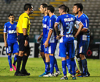 CALI -COLOMBIA-17-03-2016: Diego Haro, arbitro, durante partido entre Deportivo Cali de Colombia y Racing Club de Argentina, por la fecha 3, G3, de la Copa Bridgestone Libertadores 2016 jugado en el estadio Palmaseca de la ciudad de Cali. / Diego Haro, referee, during the match Deportivo Cali of Colombia and Racing Club of Argentina for the date 3, G3, of the Copa Bridgestone Libertadores 2016 played at Palmaseca stadium in Cali city.  Photo: VizzorImage/ NR /Cont