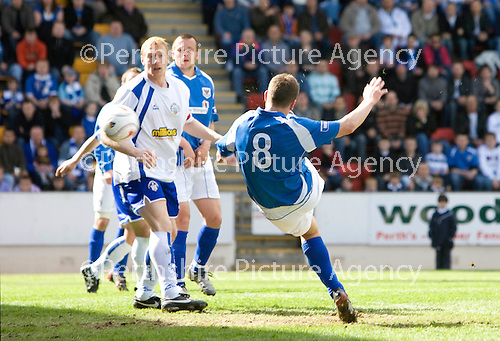 St Johnstone v Morton....02.05.09.Martin Hardie scores to make it 1-1.Picture by Graeme Hart..Copyright Perthshire Picture Agency.Tel: 01738 623350  Mobile: 07990 594431