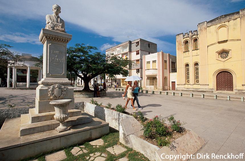 Cuba, Platz und Denkmal Jose Marti in Banes, Provinz Holguin