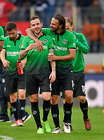 21.10.2017,  Football 1.Liga 2017/2018, 9. match day, FC Augsburg - Hannover 96, in WWK-Arena Augsburg.  Marvin Bakalorz (Hannover 96) and Martin Harnik (Hannover 96) liegen sich  in den Armen.  *** Local Caption *** © pixathlon<br /> <br /> +++ NED + SUI out !!! +++<br /> Contact: +49-40-22 63 02 60 , info@pixathlon.de