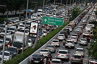 19.06.2019 - Trânsito na avenida 23 de Maio em SP