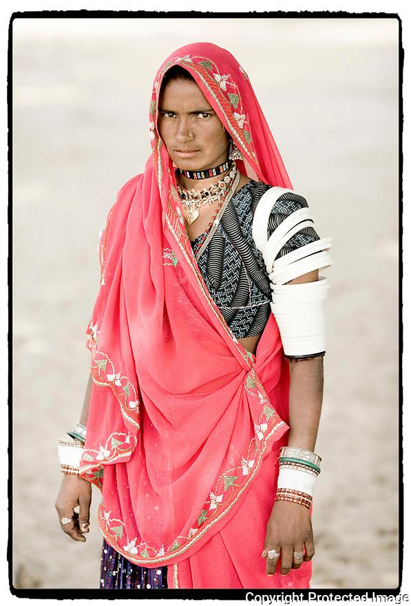 Inde- Désert du Rajasthan, femme de berger.