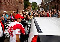 15-09-12, Netherlands, Amsterdam, Tennis, Daviscup Netherlands-Suisse, Enthusiastic crowd awaits Roger Federer