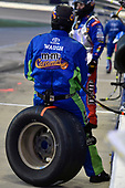Cam Waugh, #18: Kyle Busch, Joe Gibbs Racing, Toyota Camry M&M's Caramel