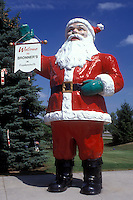 AJ0492, santa claus, Michigan, Frankenmuth, Giant Santa Clause Statue welcomes visitors to Bronner's Christmas Wonderland in Frankenmuth.