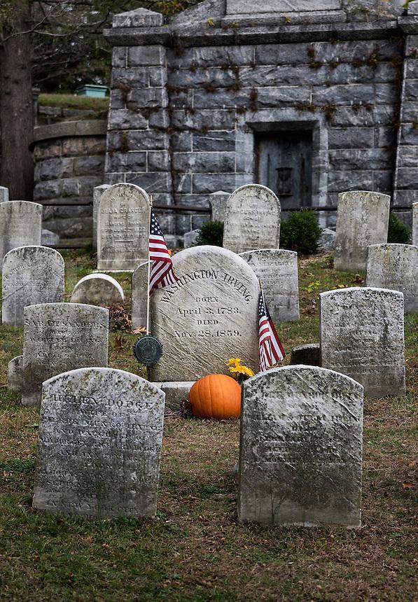 Burial site of writer Washington Irving in Sleepy Hollow Cemetery, New York, USA