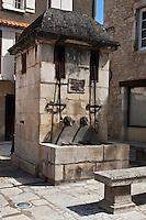 Europe/France/Midi-Pyrénées/46/Lot/Souillac: Fontaine , place du Puits