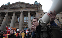 Studentenproteste gegen Zustand und Form des Deutschen Bildungssystems an den Hochschulen und Universitäten. Foto: Norman Rembarz....Norman Rembarz , ( ASV-Autorennummer 41043728 ), Holbeinstr. 14, 04229 Leipzig, Tel.: 01794887569, Hypovereinsbank: BLZ: 86020086, KN: 357889472, St.Nr.: 231/261/06432 - Jegliche kommerzielle Nutzung ist honorar- und mehrwertsteuerpflichtig! Persönlichkeitsrechte sind zu wahren. Es wird keine Haftung übernommen bei Verletzung von Rechten Dritter. Autoren-Nennung gem. §13 UrhGes. wird verlangt. Weitergabe an Dritte nur nach  vorheriger Absprache...GPS:  Länge - {longitude) .            Breite - {latitude}