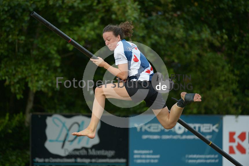 FIERLJEPPEN: WINSUM: 10-07-2021, 1e klasse wedstrijden, Tessa Kramer, ©foto Martin de Jong