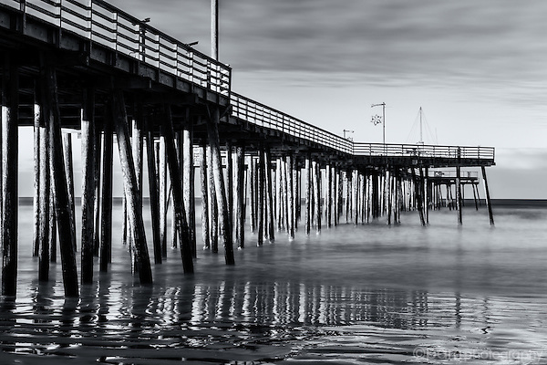 Black and white image of Pismo Beach Pier